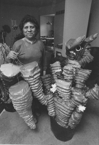 (31956) Ethnic Communities, Latin American, Traditions, 1993