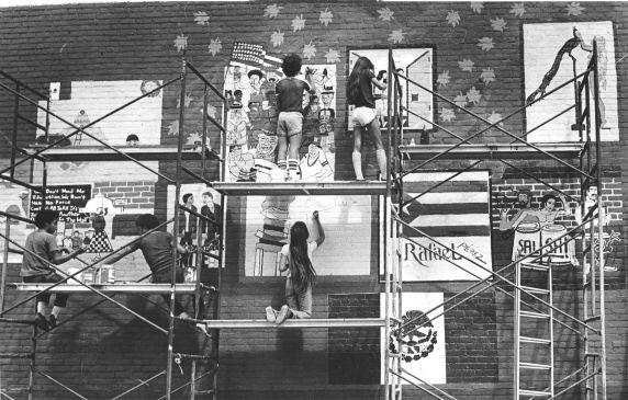 (31964) Ethnic Communities, Mexican, Murals,1980