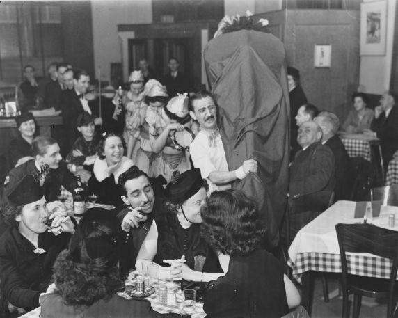 (31984) Ethnic Communities, Hungarian, Customs, Holidays, 1938