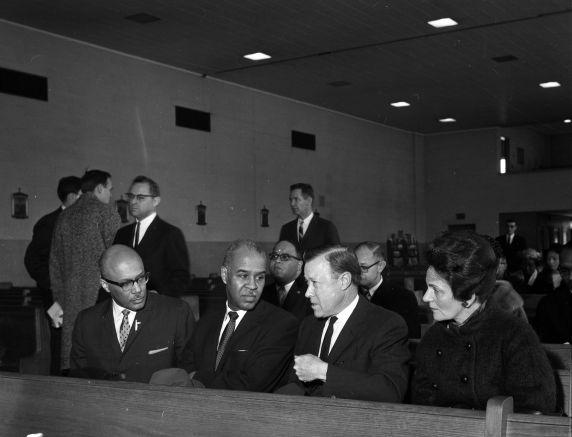 (32002) Viola Liuzzo, Funeral, Mourners, Detroit, 1965