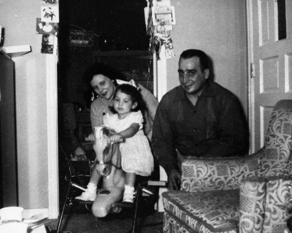 (32005) Viola Liuzzo, Family, Detroit, 1961