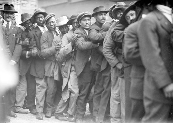 (32122) Draft & Recruitment, Lines, Detroit, 1917-1918