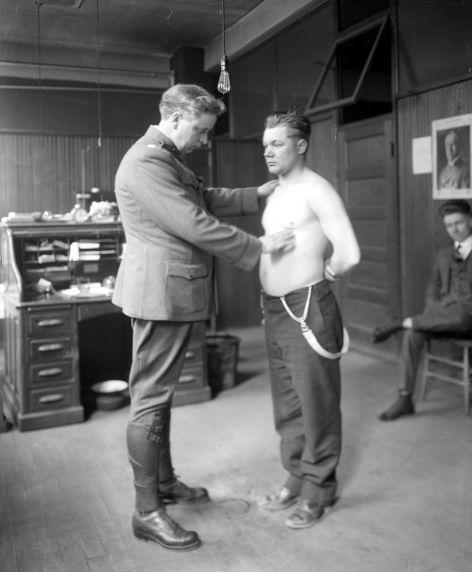 (32134) Draft & Recruitment, Medical Examinations, Detroit, 1917