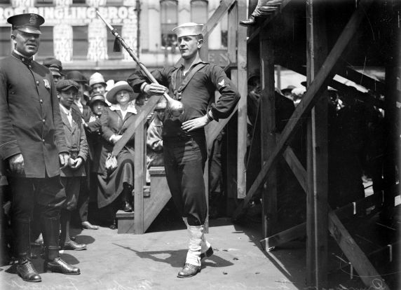 (32136) Draft & Recruitment, Navy, Detroit, 1917