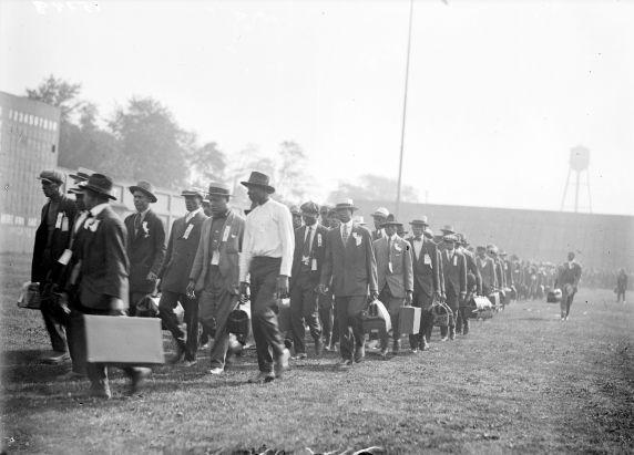 (32146) Army, Draft & Recruitment, Training Camp, 1917-1918