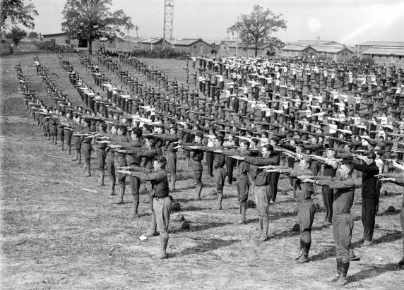 (32147) Army, Traning Camps, Drills, 1917-1918