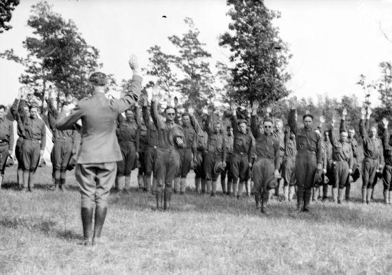 (32149) Army, Draft & Recruitment, Training Camp, 1917-1918