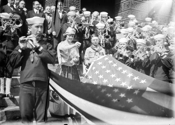 (32212) First World War, Civilian Support, Liberty Loans Rally, Detroit, 1918