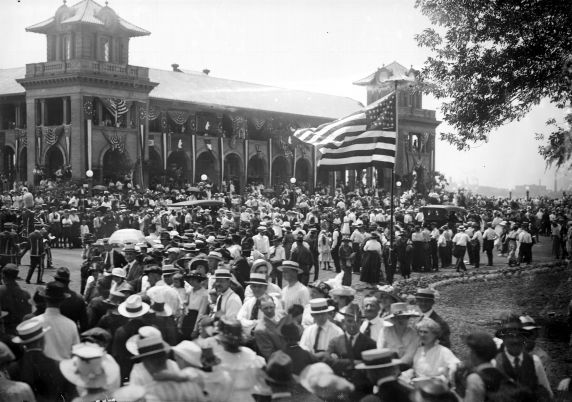(32268) First World War, Return of Troops, 339th Infantry, Belle Isle, 1919