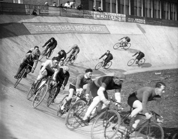 (32764) Ethnic Communities, Belgian, Sports, Cycling, 1928