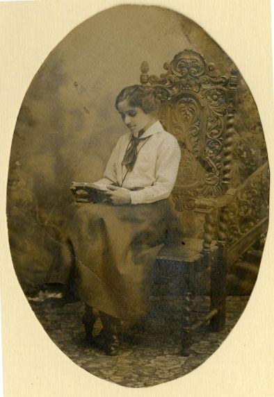 (33283) Matilda (Rabinowitz) Robbins, Portrait, 1910s