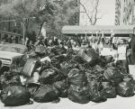 (33372) Demonstration with bags of garbage