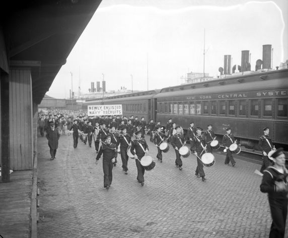 (33609) Recruitment, Navy, Volunteers, Departures, 1942