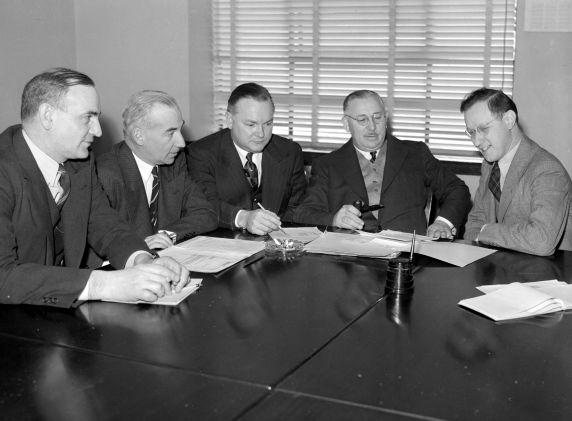 (33618) Labor Board, Detroit, Meetings, 1943