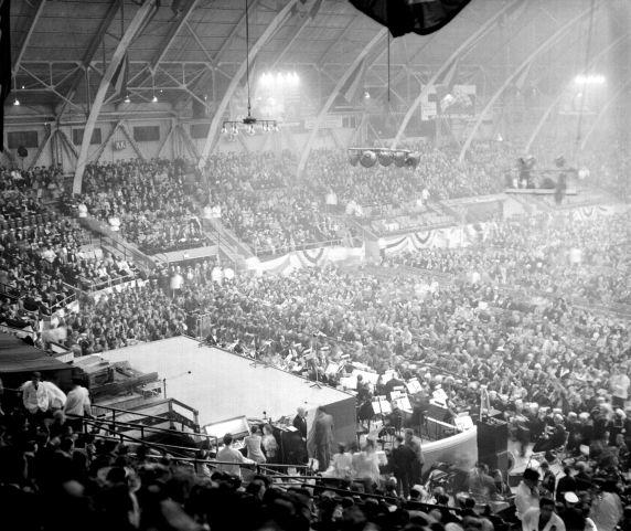 (33621) War Bonds Rally, Olympia Stadium, Detroit,