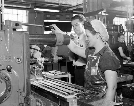 (33623) War Industry, Women Workers, Cadillac Motor Car Company, 1942