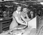 (33623) War Industry, Women Workers, Chrysler Motor Car Company, 1942