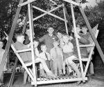 (33634) World War II, Refugees, Windsor, Ontario, 1940