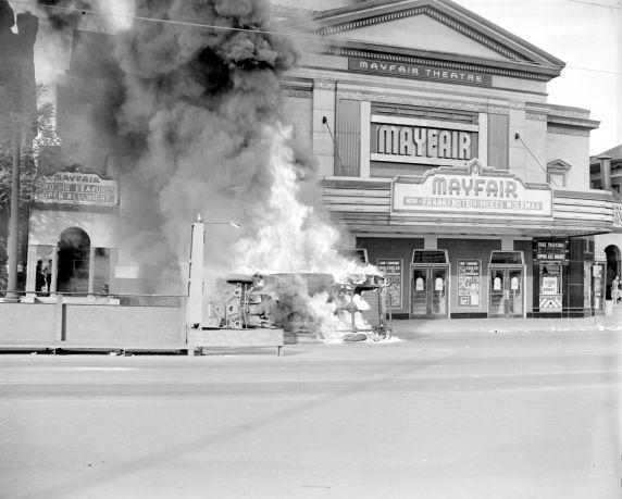 (33637) Race Riot, Woodward Avenue, Detroit, 1943