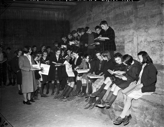 (33655) Air Raid Drills, Schools, Northville, 1942