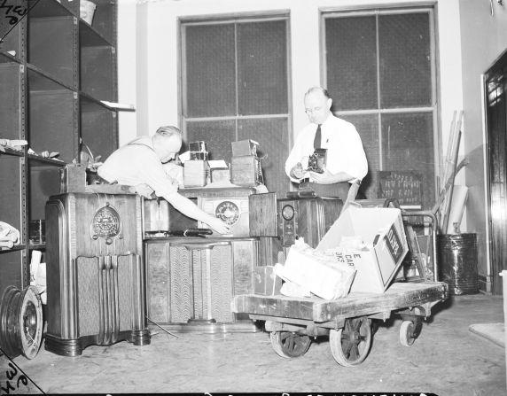 (33659) Enemy Aliens, Raids, Detroit, 1942