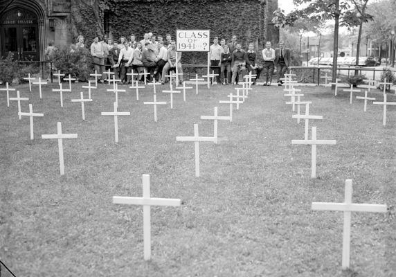 (33660) Anti-War Movement, Students, Detroit, 1941