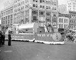 """(33669) Parades, """"Visiting Heroes,"""" Detroit, 1942"""