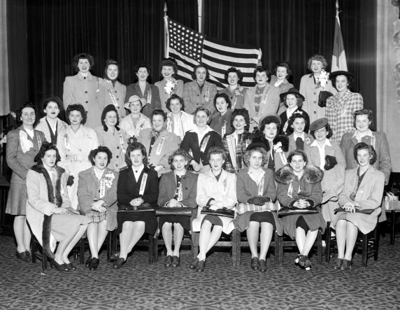 (33678) U.S. Marine Corps Women's Reserve, Enlistment, 1943