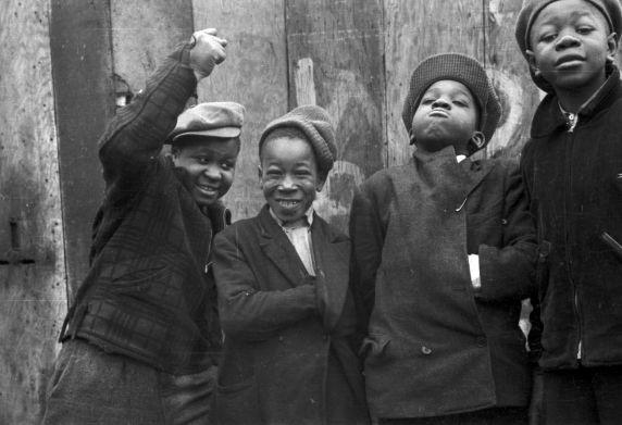 (33767) Children Playing, Near East Side, Detroit