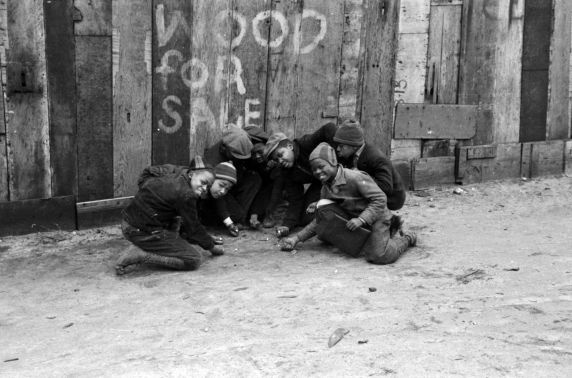 (33776) Children Playing, Near East Side, Detroit