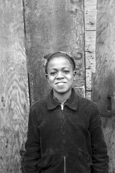 (33777) Portraits, Children, Black Bottom, Detroit