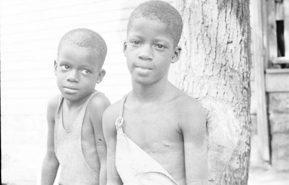 (33816) Portraits, Children, Black Bottom, Detroit