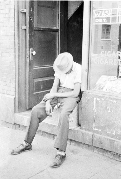 (33817) Street Scenes, Detroit