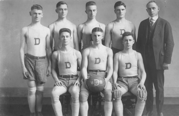(36711) Detroit Junior College, Athletics, Basketball Team, 1918-1919