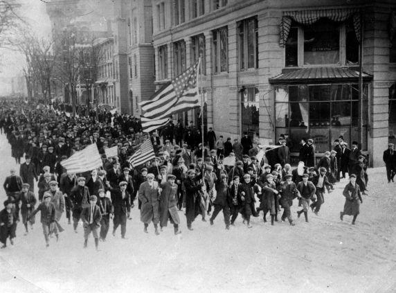 (396) Lawrence Strike, Strikers, 1912