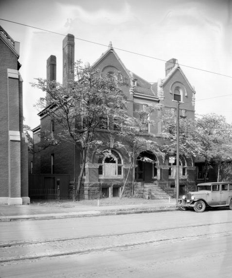 (DN_44_2) Ethnic Communities, Irish, Corktown, Churches, Most Holy Trinity, 1930