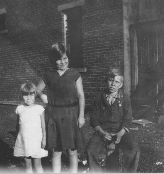 (4813) Harlan County Coal War, Children, Kentucky, 1930s