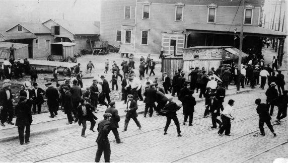 (6568) Strikes, New Jersey Oil Company Strike, Bayonne, Violence, New Jersey, 1915