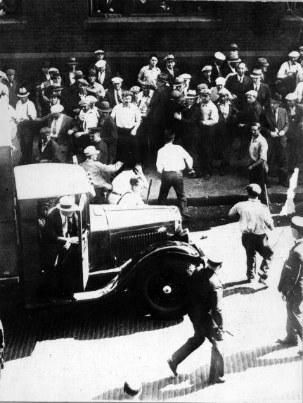 (6578) Strikes, Transportation, Truck Drivers, Minneapolis, Minnesota, 1934