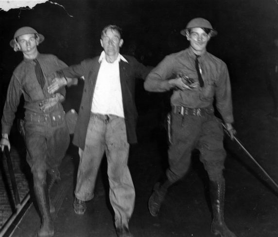 (6585) Strikes, Violence, Textile Workers, Saylesville, Rhode Island, 1934