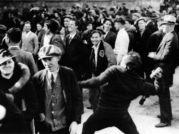 (6592) Strikes, Textile Workers, Philadelphia, Pennsylvania, 1937