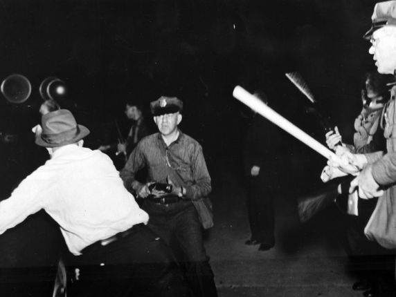 (6593) Strikes, Violence, Steel Workers, Youngstown, Ohio, 1937