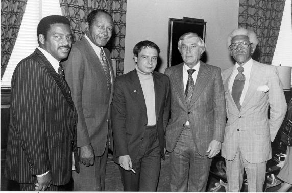 (7270) Vladimir Bukovsky with others, Los Angeles, 1978