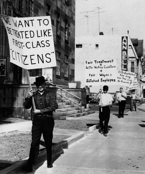 (7520) Liverpool, Ohio workers demonstrate