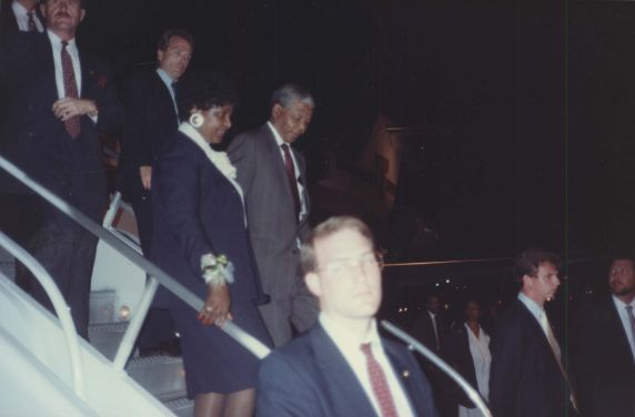 (7534) Mandela arrives, 1990 AFSCME Convention