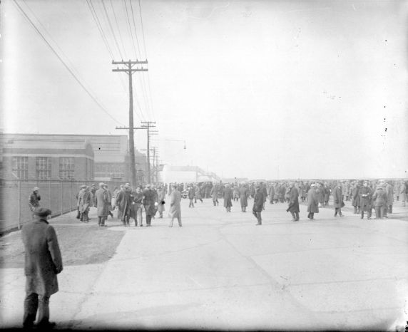(DN_77644_2) Ford Hunger March, Violence, 1932