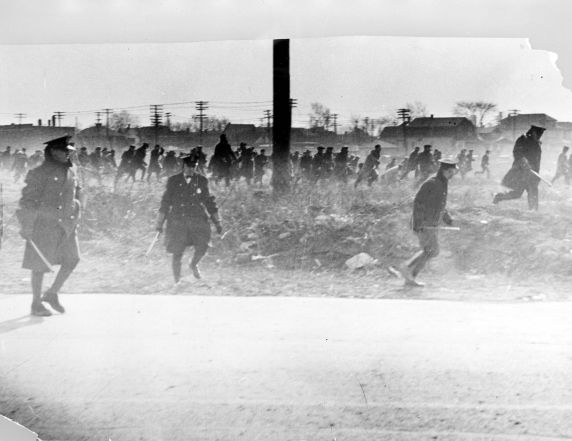 (DN_77646_2) Ford Hunger March, Violence, 1932