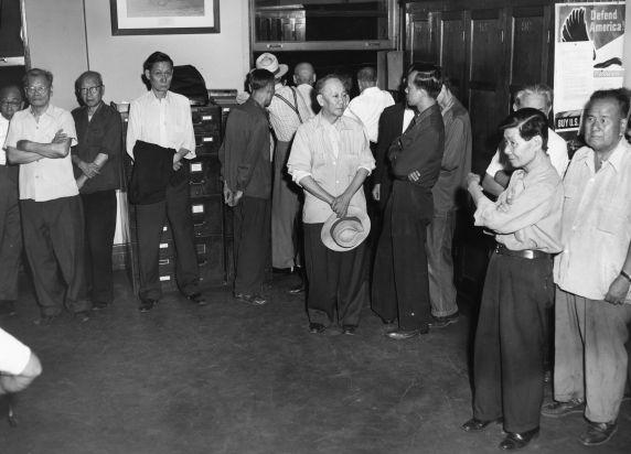 (79715) Ethnic Communities, Chinese, Gambling, Chinatown, Detroit, 1953