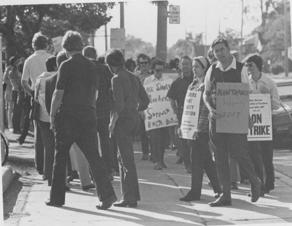 (11780) Picket Line, East Detroit Federation of Teachers, Local 698