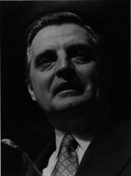 (11905) Walter Mondale